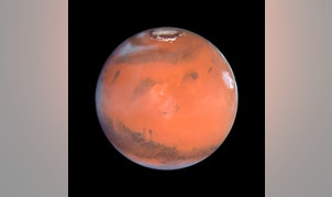 This 1999 Hubble telescope image shows Mars when Mars was 54 million miles (87 million kilometers) from Earth. A NASA spacecraft designed to investigate how Mars lost its water is expected to put itself into orbit around the Red Planet on Sunday after a 10-month journey.   After traveling 442 million miles (711 million km) from Earth, the Mars Atmosphere and Volatile Evolution, or MAVEN, probe faces a do-or-die burn of its six braking rockets beginning at 9:37 p.m. EDT/0137 GMT.   REUTERS/NASA/Handout (OUTER SPACE - Tags: ENVIRONMENT SCIENCE TECHNOLOGY) FOR EDITORIAL USE ONLY. NOT FOR SALE FOR MARKETING OR ADVERTISING CAMPAIGNS. THIS IMAGE HAS BEEN SUPPLIED BY A THIRD PARTY. IT IS DISTRIBUTED, EXACTLY AS RECEIVED BY REUTERS, AS A SERVICE TO CLIENTS - RTR471VD