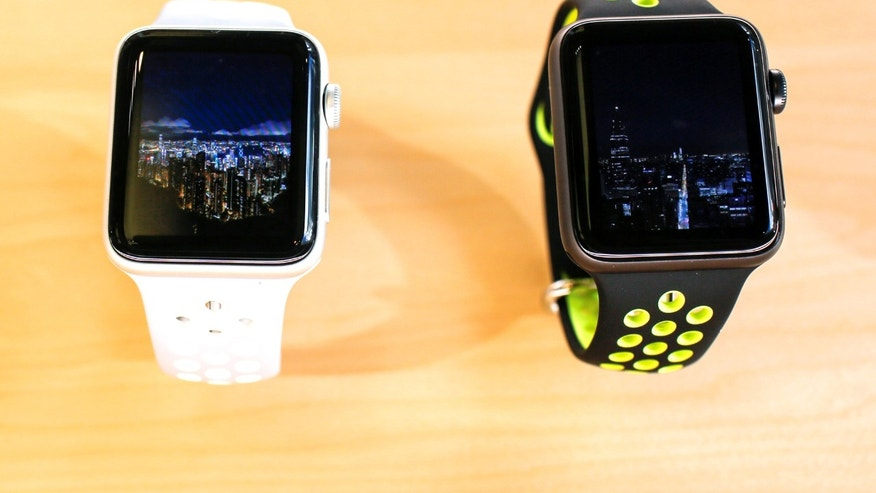 File photo: The new Apple Watch models are displayed inside of an Apple Inc. store in New York, U.S., September 16, 2016. (REUTERS/Eduardo Munoz)