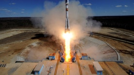 A Russian Soyuz 2.1A rocket carrying Lomonosov, Aist-2D and SamSat-218 satellites lifts off from the launch pad at the new Vostochny cosmodrome outside the city of Uglegorsk, about 200 kms from the city of Blagoveshchensk in the far eastern Amur region, Russia April 28, 2016.  REUTERS/Kirill Kudryavtsev/Pool  - RTX2BZRW