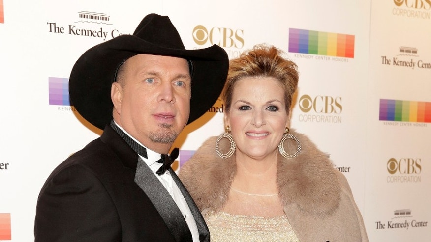 Garth Brooks and Trisha Yearwood Perform for NASA Astronauts in Space