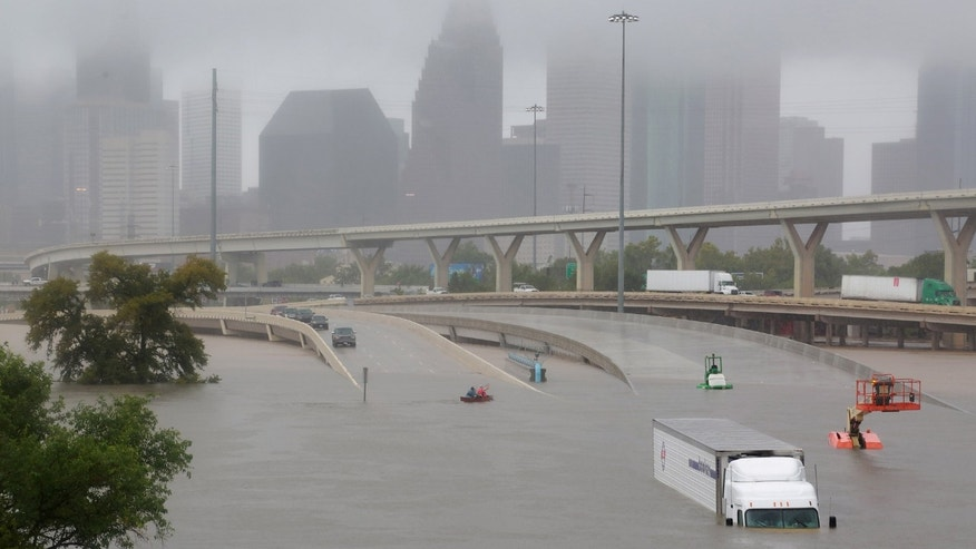 Interstate highway 45 is submerged from the effects of Hurricane Harvey seen during widespread flooding in Houston, Texas, U.S. Aug. 27, 2017. (REUTERS/Richard Carson)