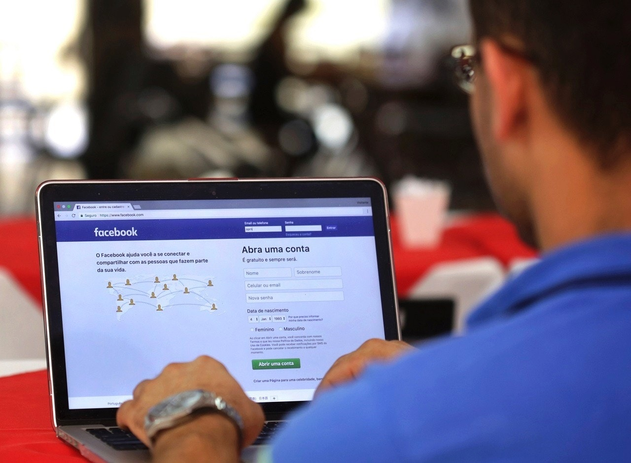 Brazil's Largest Newspaper to Cease Posting on Facebook