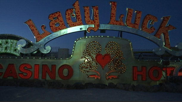 Projection art brings old Vegas neon signs back to life