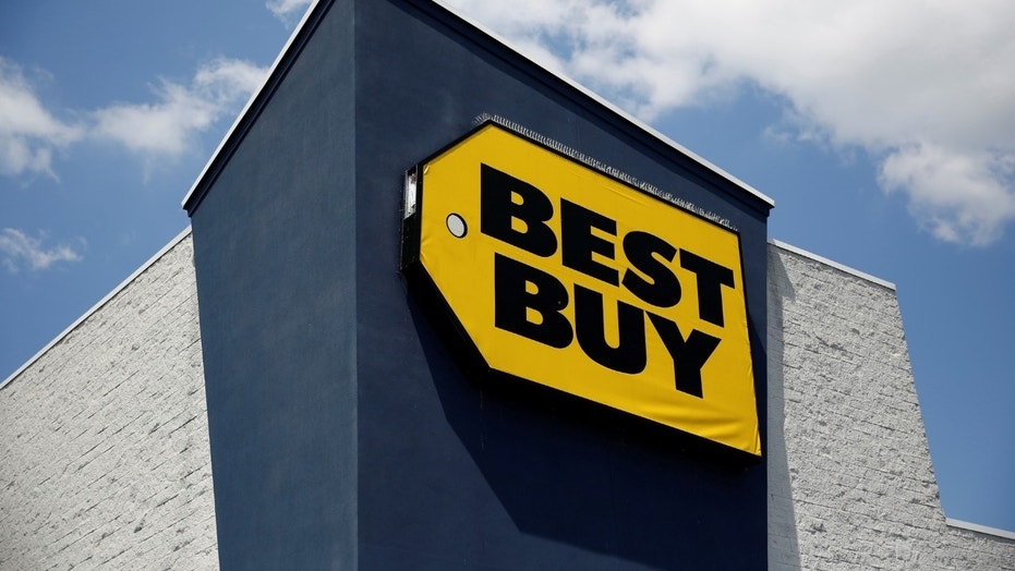 Thieves steal 100g of apple products through best buy for Buy cupola