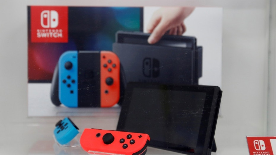 A Nintendo Switch game console is displayed at an electronics store in Tokyo, Japan March 3, 2017.  REUTERS/Toru Hanai - RTS11815