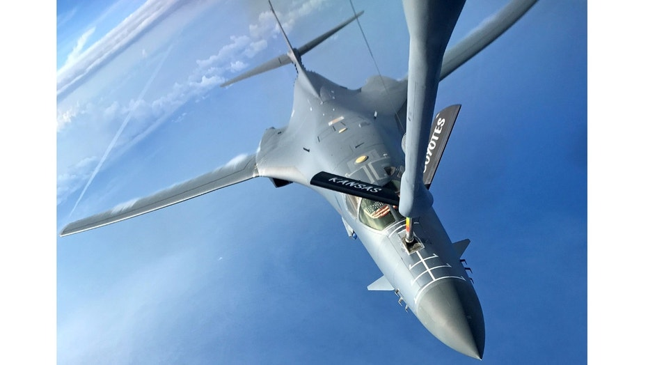 File photo - One of two U.S. Air Force B-1B Lancer aircraft is refueled during a mission to fly in the vicinity of Kyushu, Japan, the East China Sea, and the Korean peninsula June 20, 2017. (U.S. Air Force/Airman 1st Class Gerald R. Willis/Handout via REUTERS)