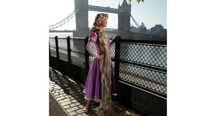 Rapunzel takes a break by the Thames where she admires Tower Bridge.