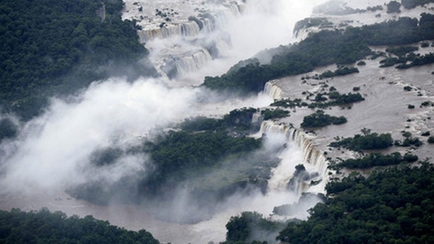 Little can prepare you for a trip to the monstrous Iguaçu waterfalls in Argentina. The waters of the Iguaçu river tumble endlessly over some 23 kilometers of cliffs, crashing into a giant gorge and leaving a thick mist in their wake.