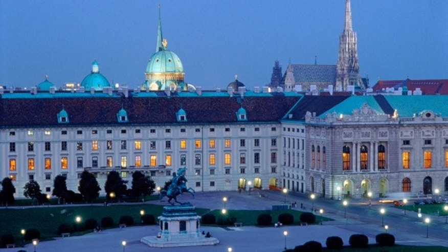 View of the Imperial Palace from the roof of the Naturhistorisches Museum Wien, Heldenplatz