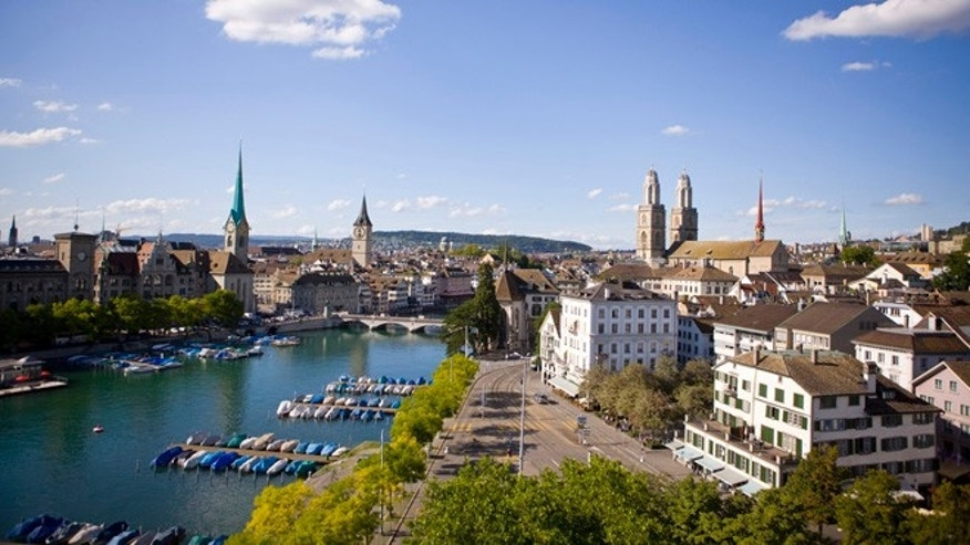 As a lifestyle capital on the water, Zürich offers the unique mix of discovery, pleasure, nature and culture.
