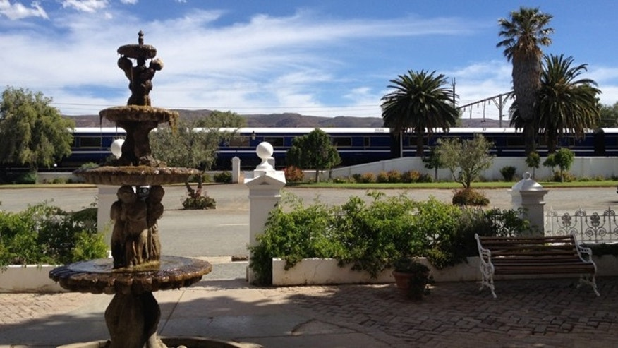 After lunch, the train stopped in historical tourist town Matjiesfontein for a tour of the local hotel and a glass of sherry.