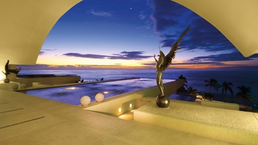 Los Cabos Convention and Visitors Bureau