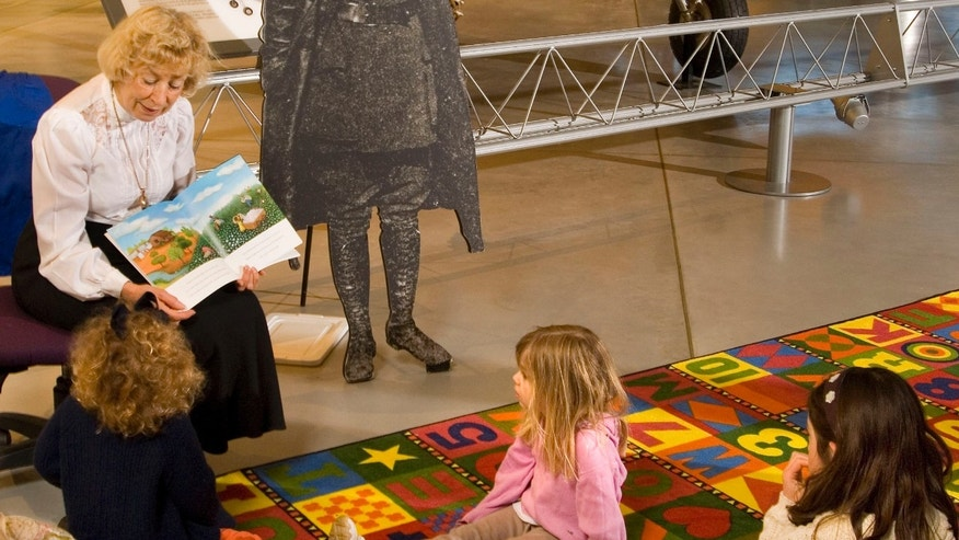 Young visitors enjoy story time at the National Air and Space Museumâs Steven F. Udvar-Hazy Center.