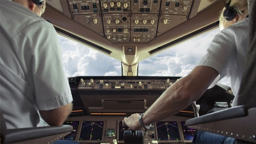 how to become a commercial airline pilot book