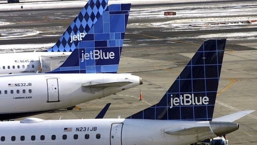 JetBlue says it will let family members and other customers pool their frequent-flier points.