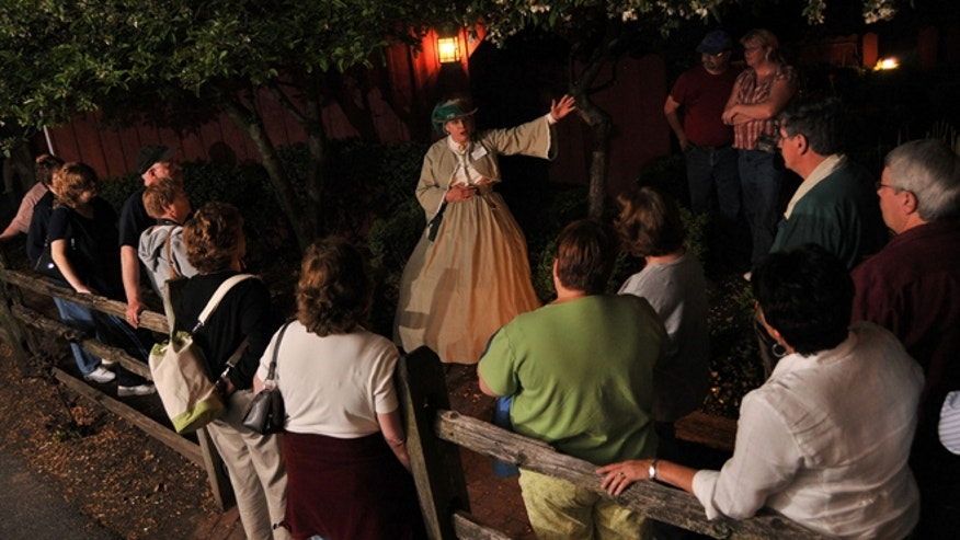 There's a lot to do in Gettysburg beyond the battlefields, including taking a ghost tour.