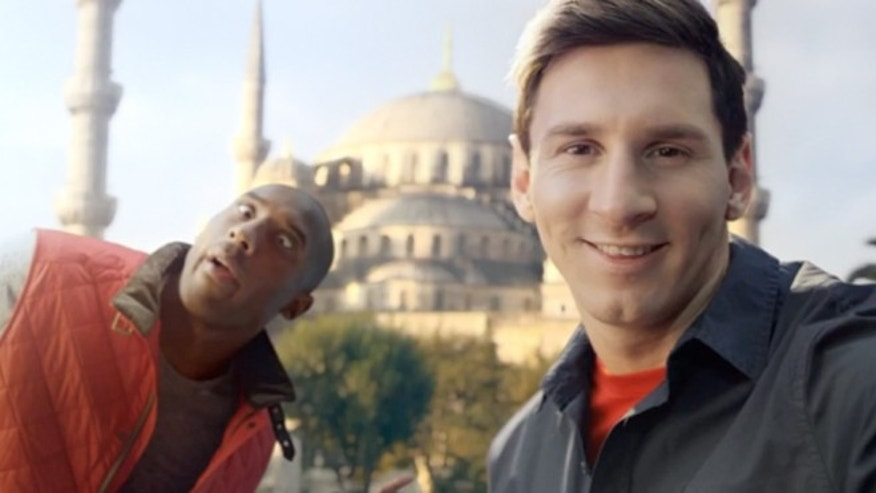 Football icon Lionel Messi and basketball star Kobe Bryant tried to show one another up in the The Selfie Shootout.