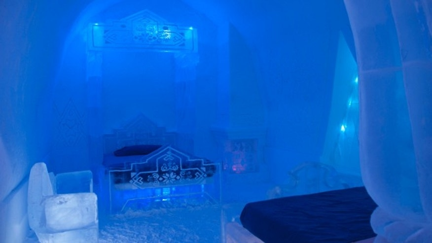 In addition to the Frozen suite, Hôtel de Glace has huge snow vaults and crystalline ice sculptures.
