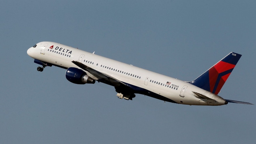 A Delta Airlines Boeing 757 taking off  in Tampa, Fla.