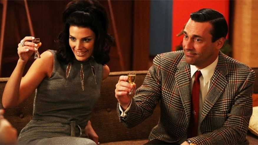 "A new tour offers fans of  ""Mad Men"" to eat, drink and stumble around like their favorite characters."