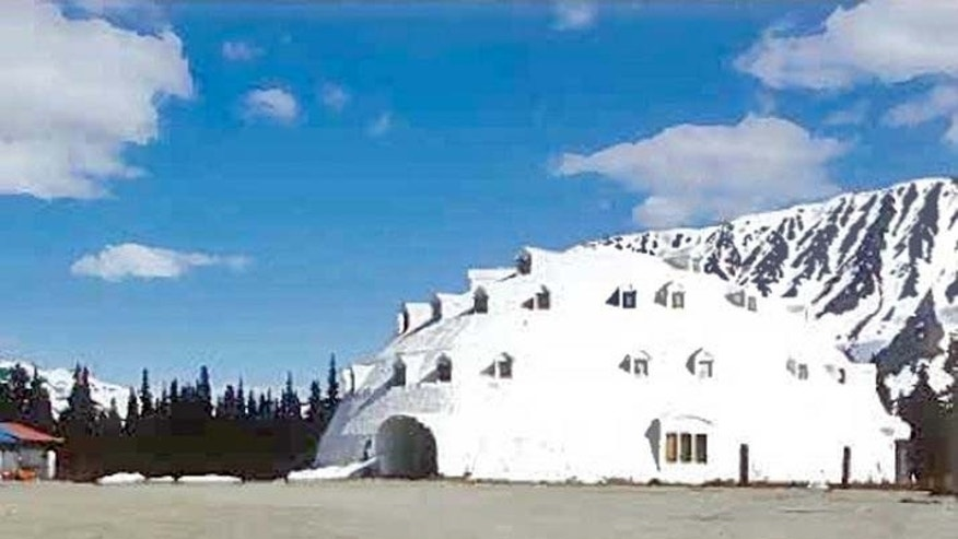 This urethane igloo in Anchorage, Alaska was planned as a must-stop for tourists heading for Denali National Park and Preserve.