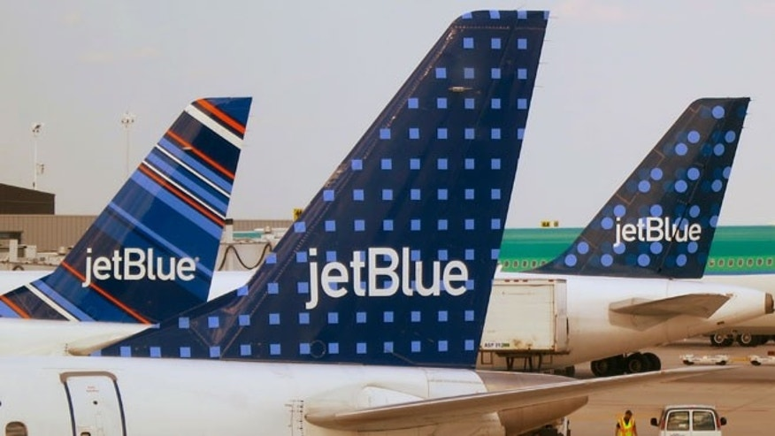 JetBlue receives top marks for high customer satisfaction ratings.