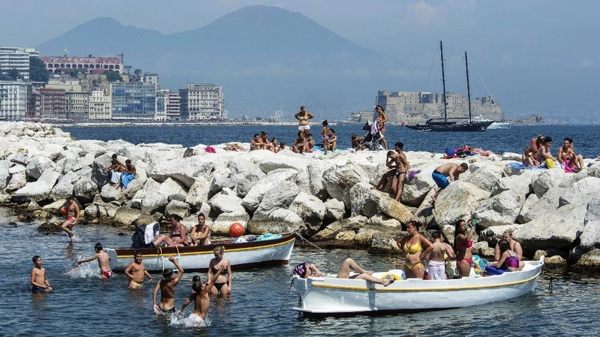 Naples has a new mayor, clean streets, a wide pedestrian beachfront and a 20-mile cycling lane overlooking a beautiful bay.