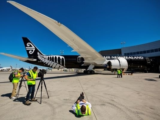 Air New Zealand have some sale fares to Honolulu - travel in May/Jun for the US Summer. Air New Zealand on this route charge an additional $30 each way for luggage and there is an in-flight 0.