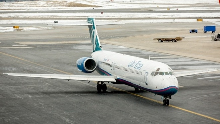 AirTran 717 taxing to the gate in Baltimore.