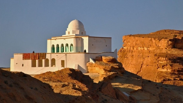 Tunisia looks to rebuild tourist industry after Arab spring Upheaval