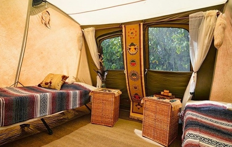 popping tents glamping goes mainstream fox news. Black Bedroom Furniture Sets. Home Design Ideas