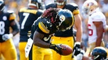 PITTSBURGH, PA - SEPTEMBER 20: DeAngelo Williams #34 of the Pittsburgh Steelers celebrates his touchdown in the fourth quarter against the San Francisco 49ers during the game at Heinz Field on September 20, 2015 in Pittsburgh, Pennsylvania. (Photo by Jared Wickerham/Getty Images)