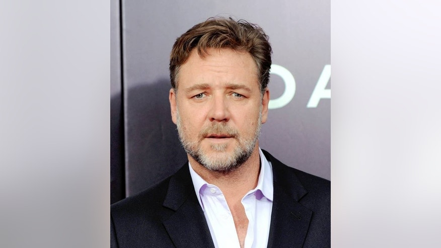 Russell Crowe has bone to pick with Virgin Australia.