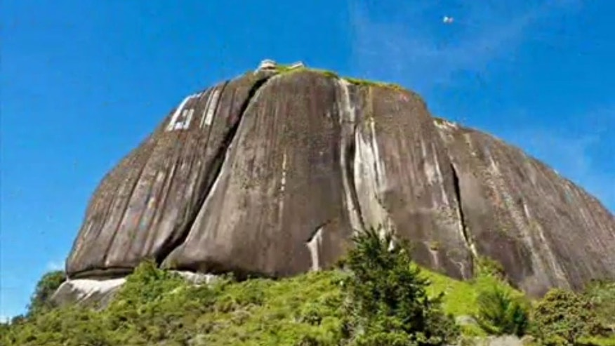 El Peñon de Guatape, a gigantic rock with an approximate weight of 66 million tons, with the height over 650 feet, was once worshiped by Tahamies Indians, the former inhabitants of this region.