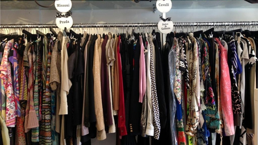 bargains abound in palm s upscale consignment shops