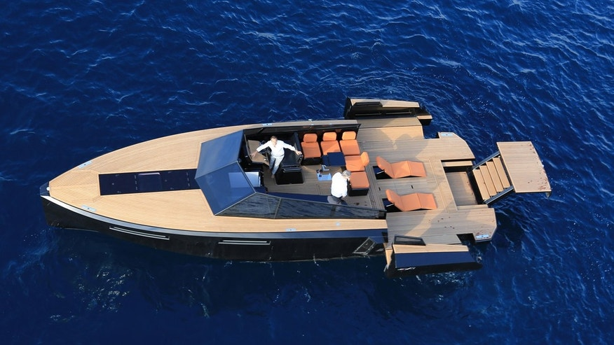 The Evo 43 can extend outward, increasing the total deck space to 270 square feet.
