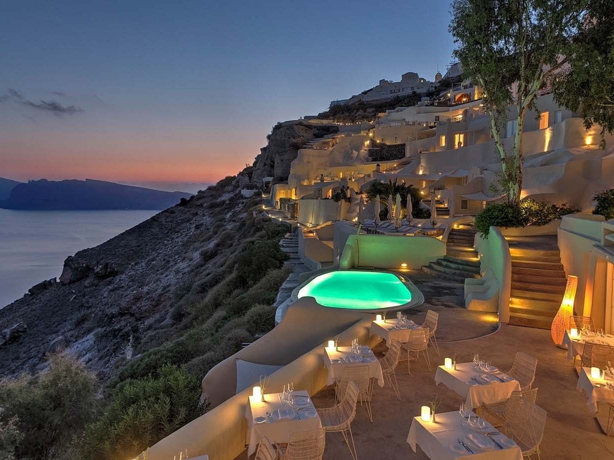 The most beautiful clifftop hotels in the world fox news for Beautiful hotels