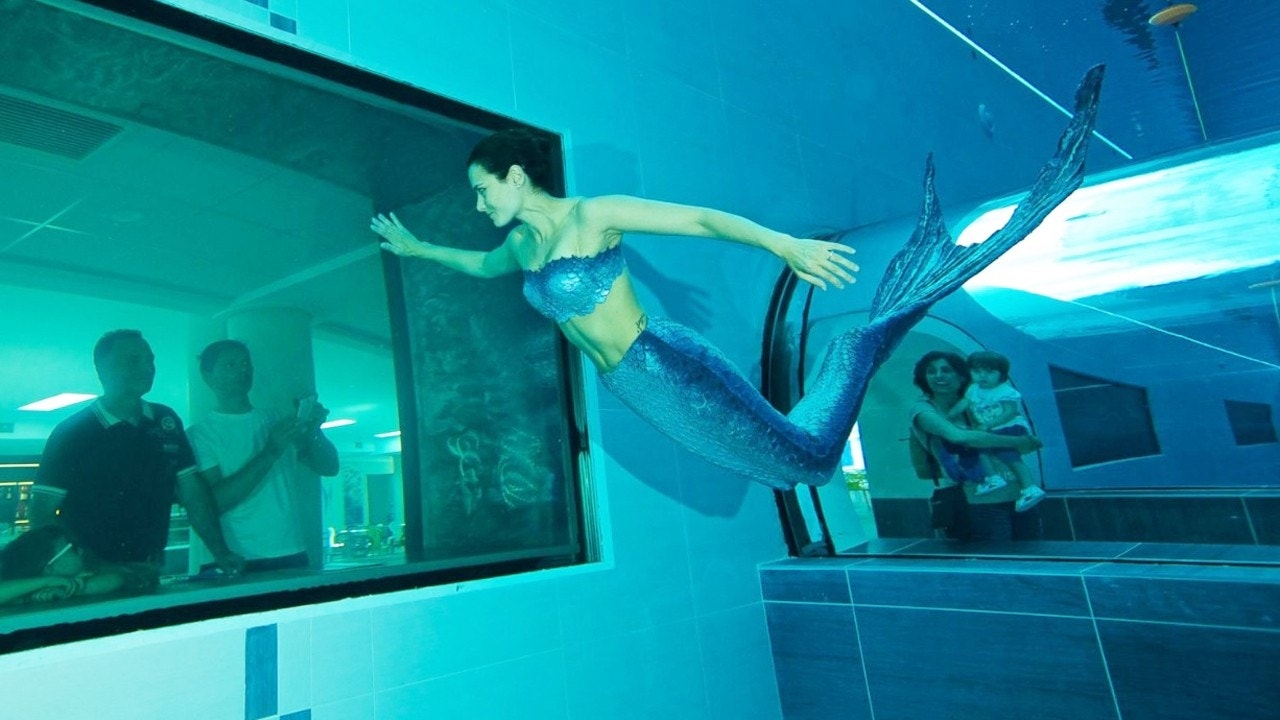 Dare to take a dip in the world 39 s deepest swimming pool for Piscine deep joy y 40