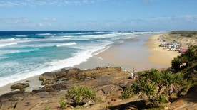 """View of the beach of Fraser Island, Australia"""