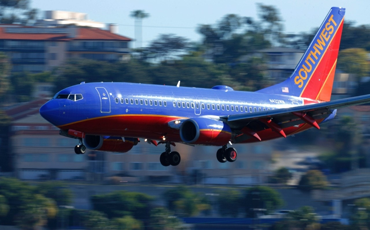 southwest to resume los angeles flights to 3 mexico