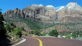 General view from the State Road 9 as it passes through the Zion national park, Utah August 20, 2012.   REUTERS/Charles Platiau (UNITED STATES - Tags: CITYSPACE ENVIRONMENT TRANSPORT TRAVEL) - RTR37MQ7