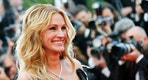 "Cast member Julia Roberts poses on the red carpet as she arrives for the screening of the film ""Money Monster"" out of competition at the 69th Cannes Film Festival in Cannes, France, May 12, 2016. REUTERS/Regis Duvignau - RTX2E2KD"