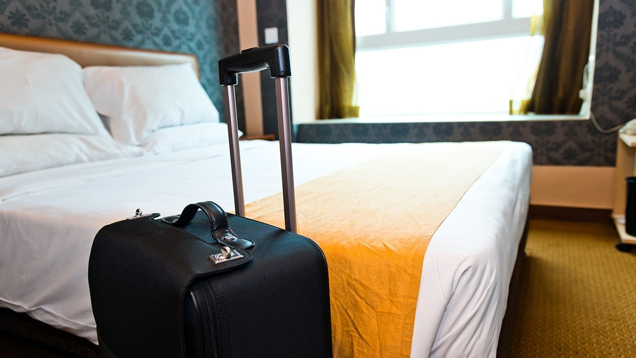 How To Spot Bedbugs In Your Hotel Room