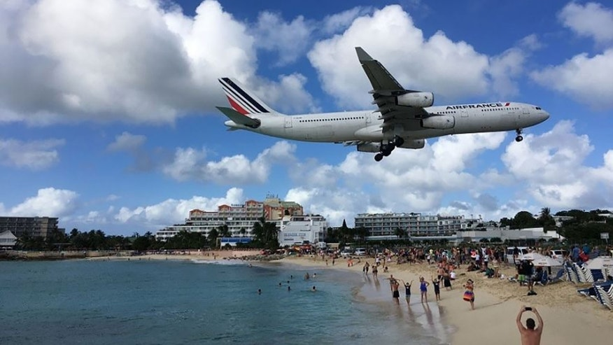 Jet blast kills tourist near Caribbean beach on planes' landing, takeoff path