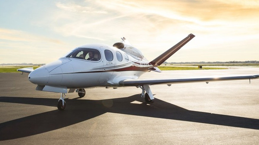 The Cirrus SF50 VisionJet Is The World39s Most Affordable Private Jet  Fo