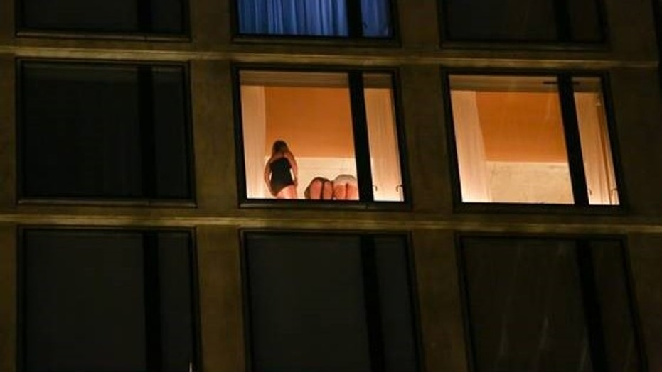 New york voyeur apartment window peep part 2