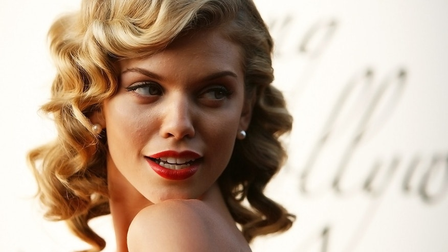 Actress AnnaLynne McCord wrote a public complaint to Southwest Airlines accusing them of discrimination.
