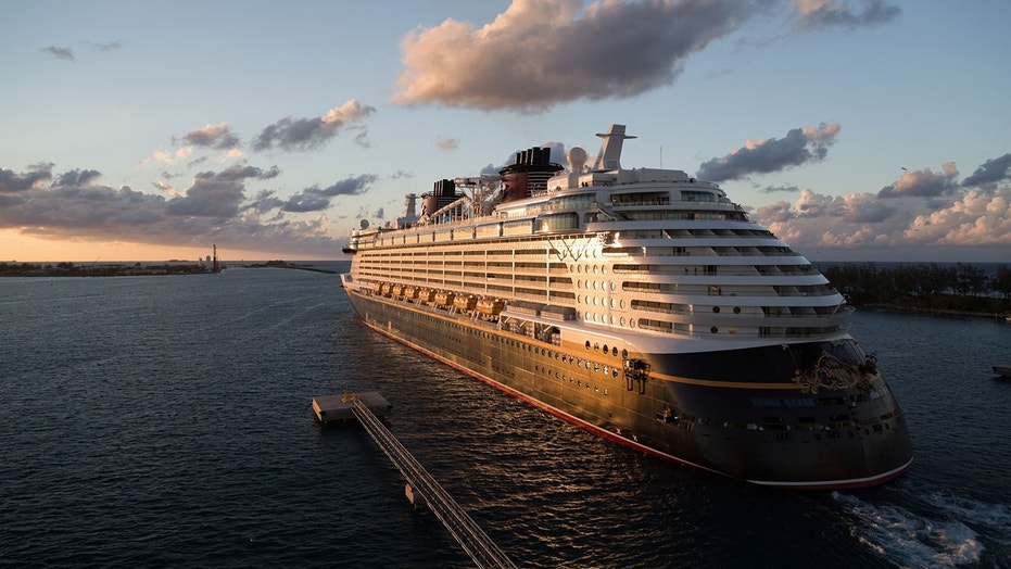Disney Cruise Accidentally Backs Into Pier In Bahamas Fox News - The dream cruise ship disney