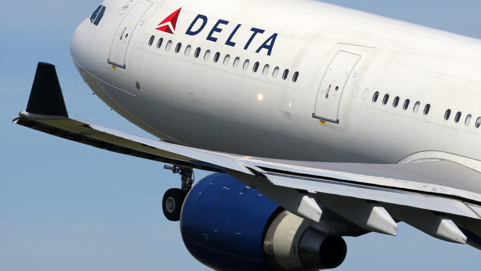 Delta Flight Makes Emergency Landing in Canada Due to 'Engine Performance Issue'