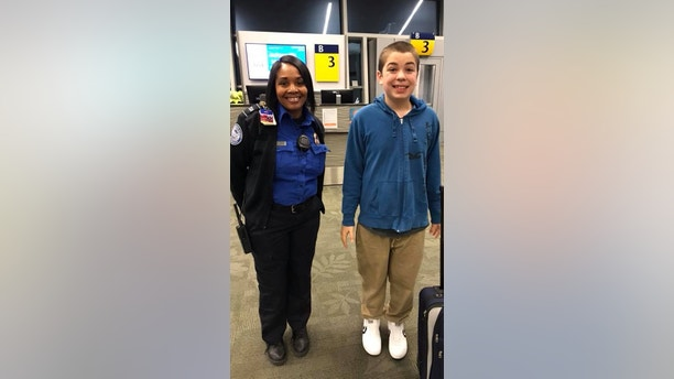 Mom Praises Tsa Employee Who Helped With Her Autistic Son
